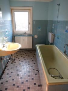 Badsanierung in einem alten Bad. Was kostet diese?